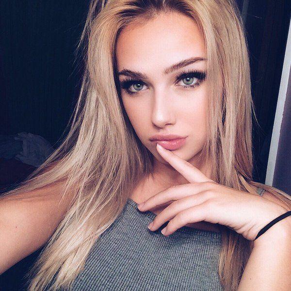 Blonde girl selfies