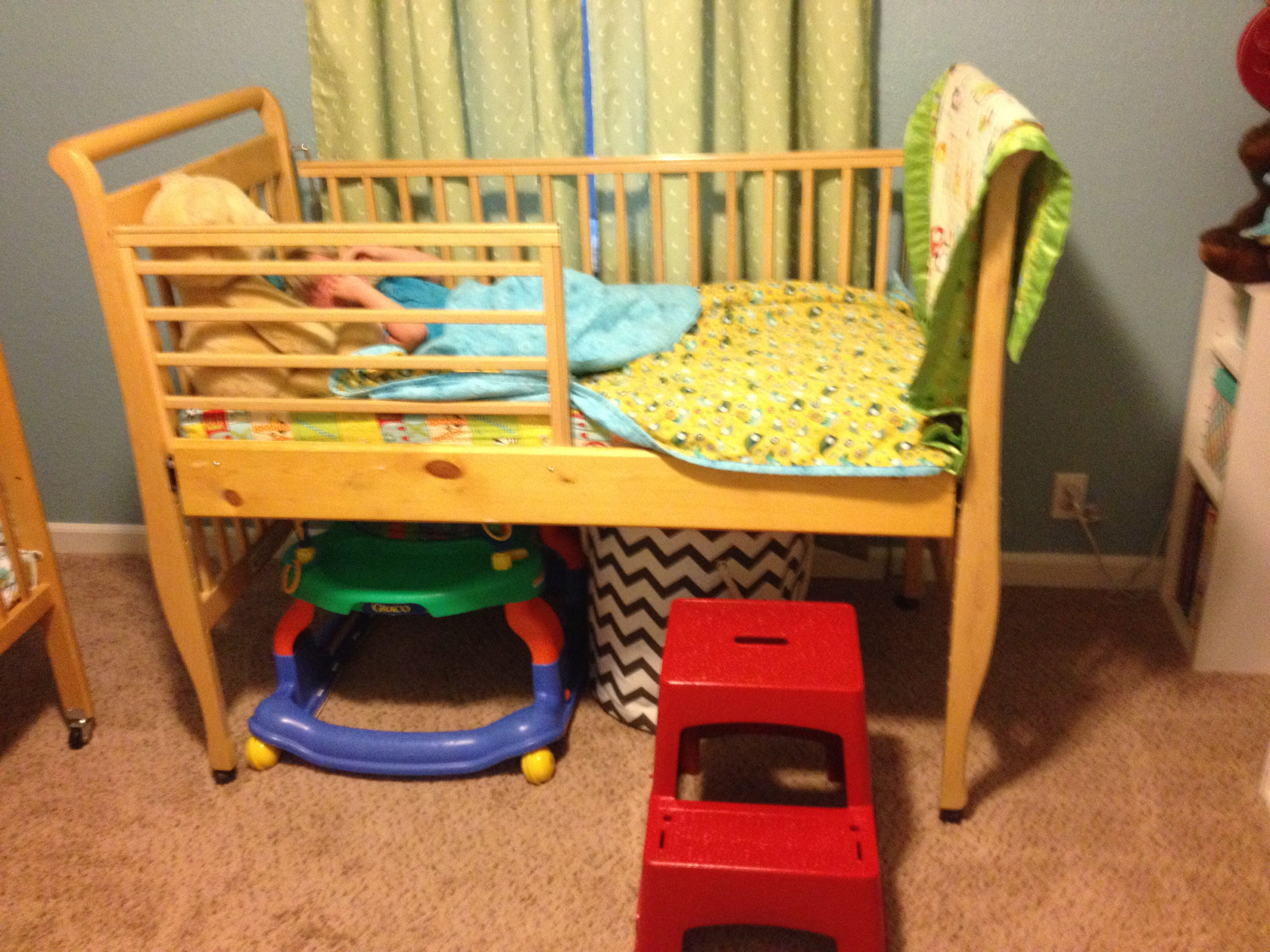 toddler bed from repurposed crib had an old drop side crib that has been outlawed federally so. Black Bedroom Furniture Sets. Home Design Ideas