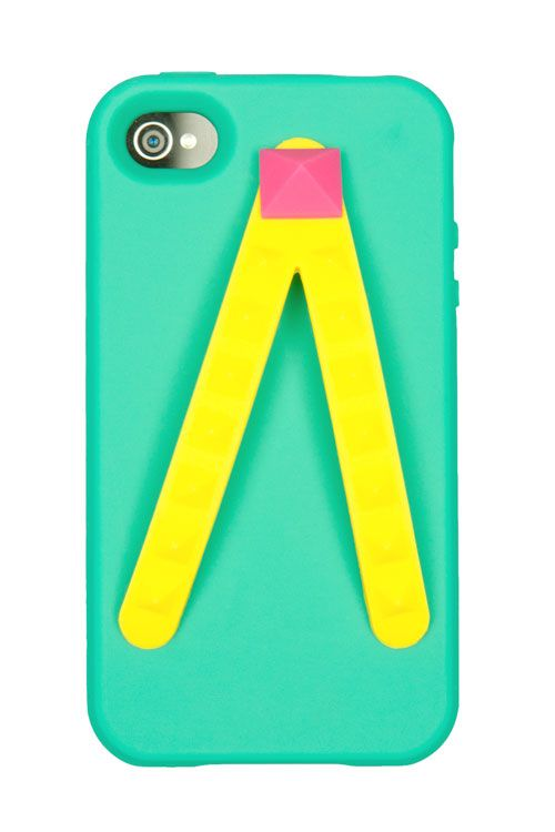 I want one of these for my BB...    Flip Flop phone case - the straps double up as hand straps :)