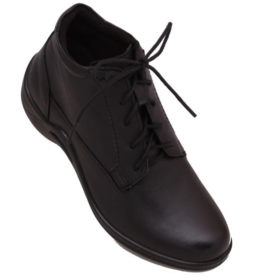e2b41387f8265  Zapatos para  Mujer marca  Flexi en piel color  Negro. Botin muy cómodo y  ligero para las personas que buscan confort al caminar.