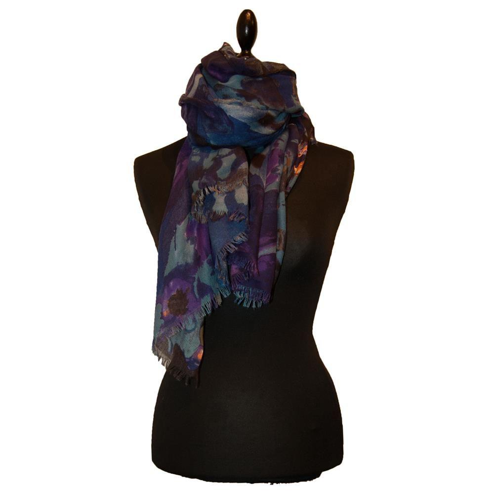 Super lækkert tørklæde i skønne farver http://webshop.stineogko.dk/tilbehor/torklaeder/torklaede-med-flotte-farver.html
