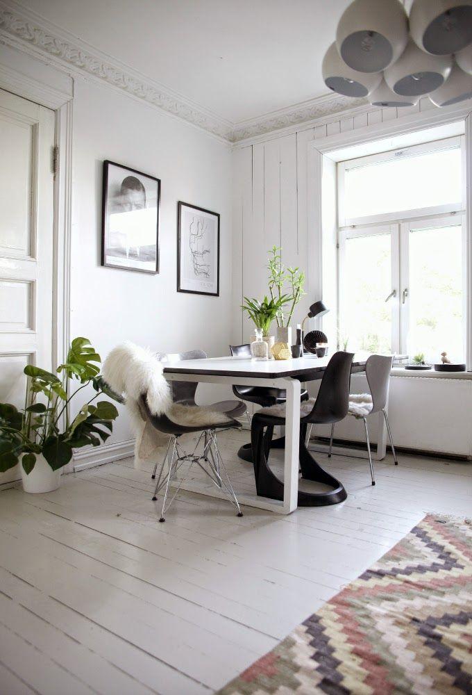 Designklassiker Unter Sich: Eames Chair Von Vitra Trifft Auf Series 7 Stuhl  Von Fritz Hansen