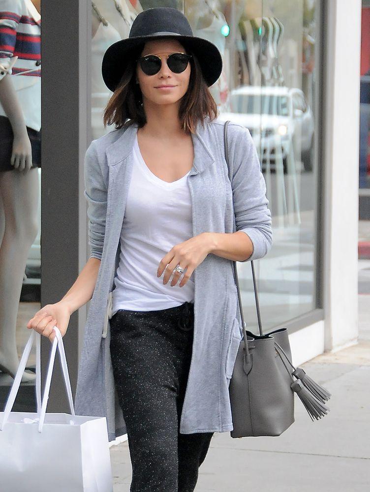 b64414979af2 Jenna Dewan-Tatum Tom Ford Tassel Bucket Bag,   celebrity bags ...