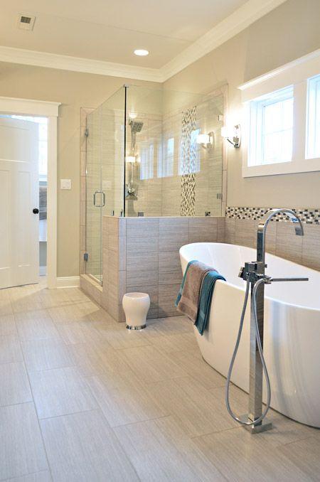 Mehr sicherheit und komfort mit intelligenten funksystemen bathroom - Helle bodenfliesen ...