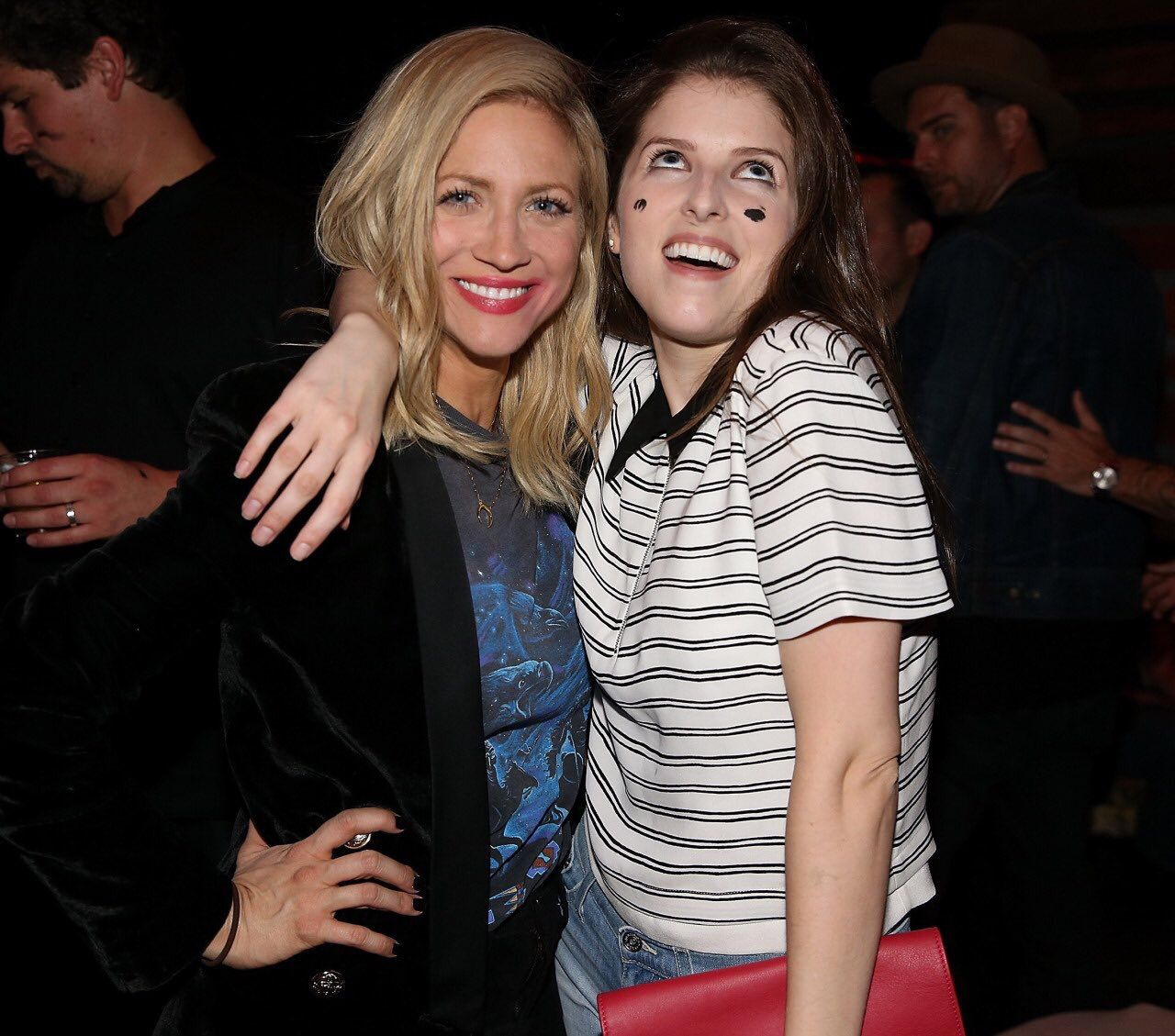 Brittany Snow and Anna Kendrick-- Sendrick