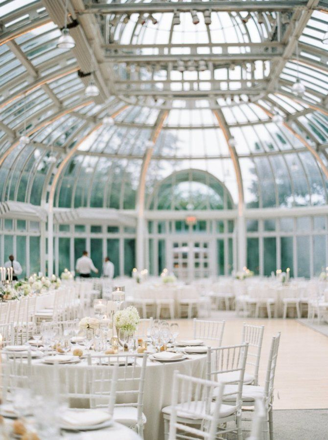 A Wildly Beautiful Garden Wedding In The Middle Of The City Brooklyn Botanical Garden Wedding Garden Wedding Botanical Gardens Wedding