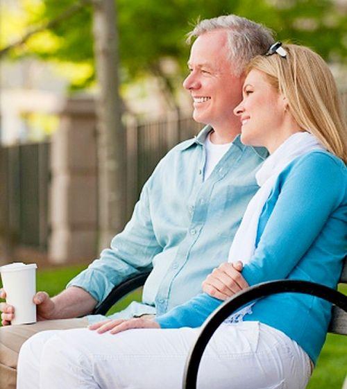 Les hommes comme les femmes jeunes, les femmes d'âge mûr plus vite que les hommes Non-8633