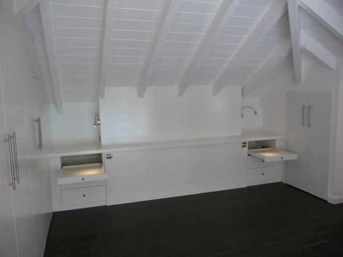 t te de lit sous combles recherche google amenagement. Black Bedroom Furniture Sets. Home Design Ideas