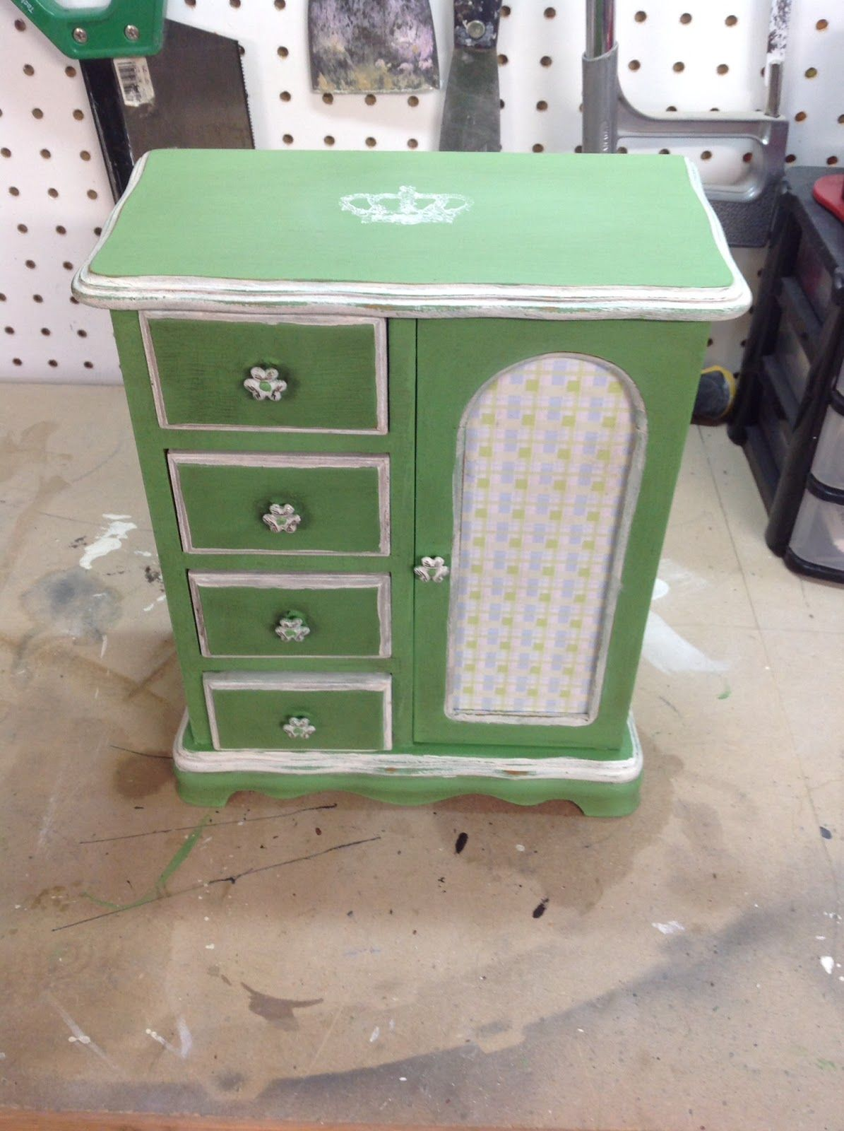 Another Thrift Store Jewelry Box Makeover Jewelry box makeover