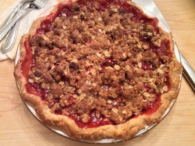 Strawberry-Rhubarb Pie with Crumb Topping