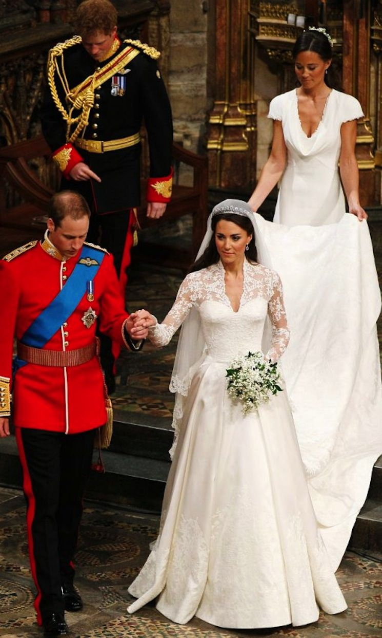 Sarah burton kate middleton wedding dress  By Biombo  La hermana de la novia  boda  Pinterest  Kate
