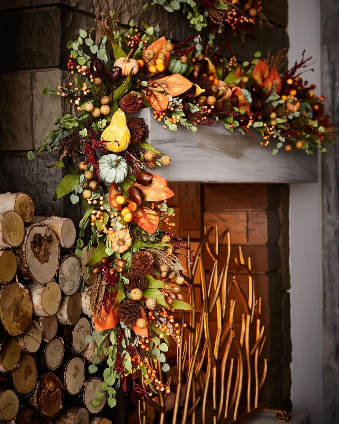 Our Warm And Welcoming Space For Fall Consists Of Spicy Hues And Standout Statement Pieces Horchow Garland Fall Harvest Fall Decor