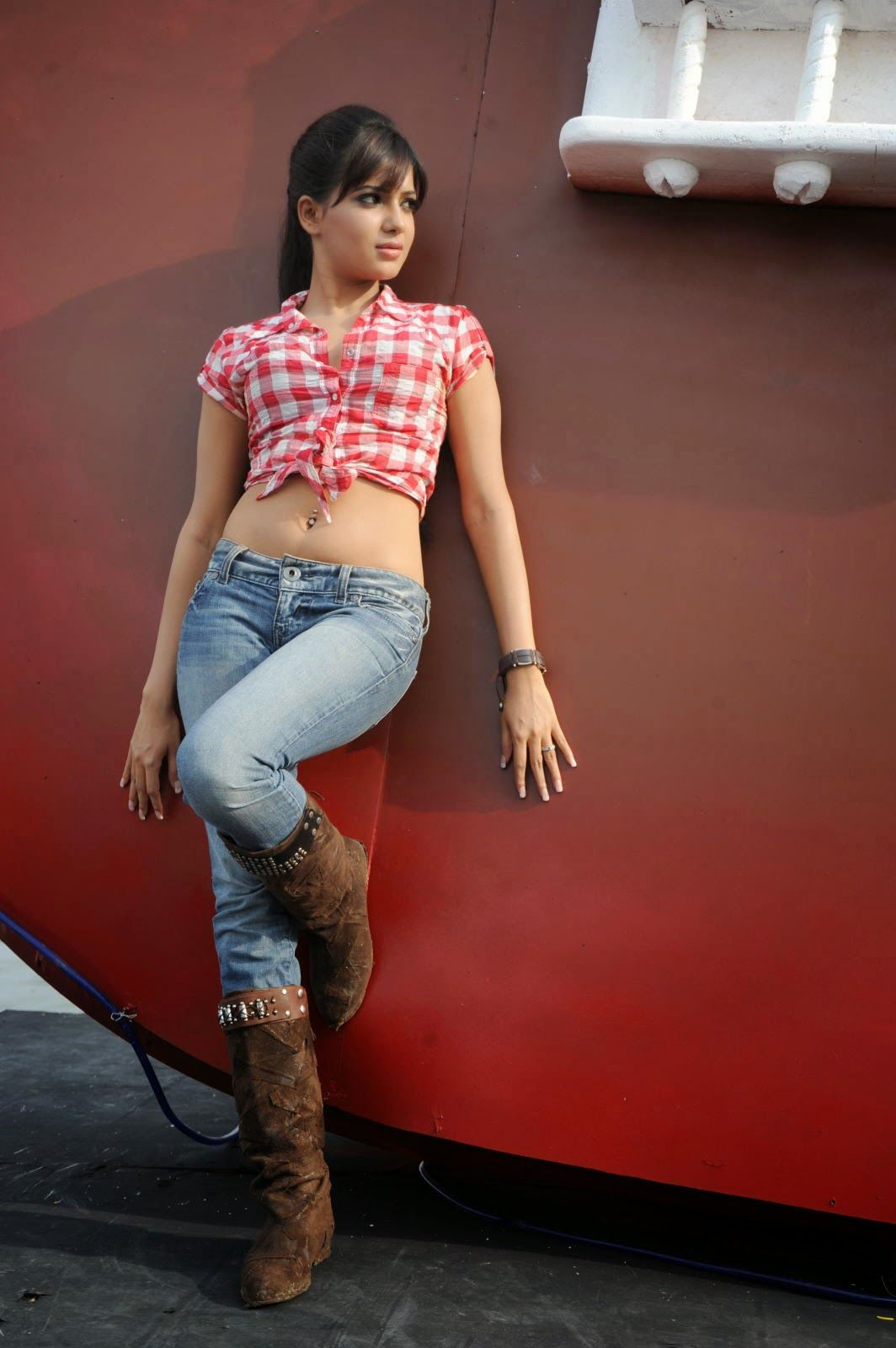 Telugu Actress Samantha Hot Navel and Back Show in Jeans ...