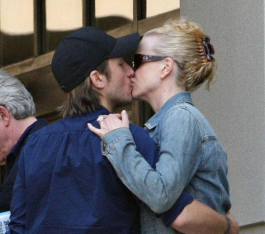 keith urban and nicole kidman kissing | ... Gossip Entertainment Update|Pregnant Nicole Kidman kissing Keith Urban