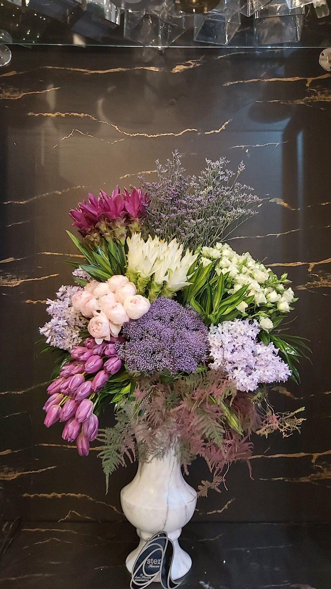 Pin By Melindading On Designer Flowers In Dubai Aster Flowers Shop In 2020 Floral Wreath Aster Flower Flower Shop