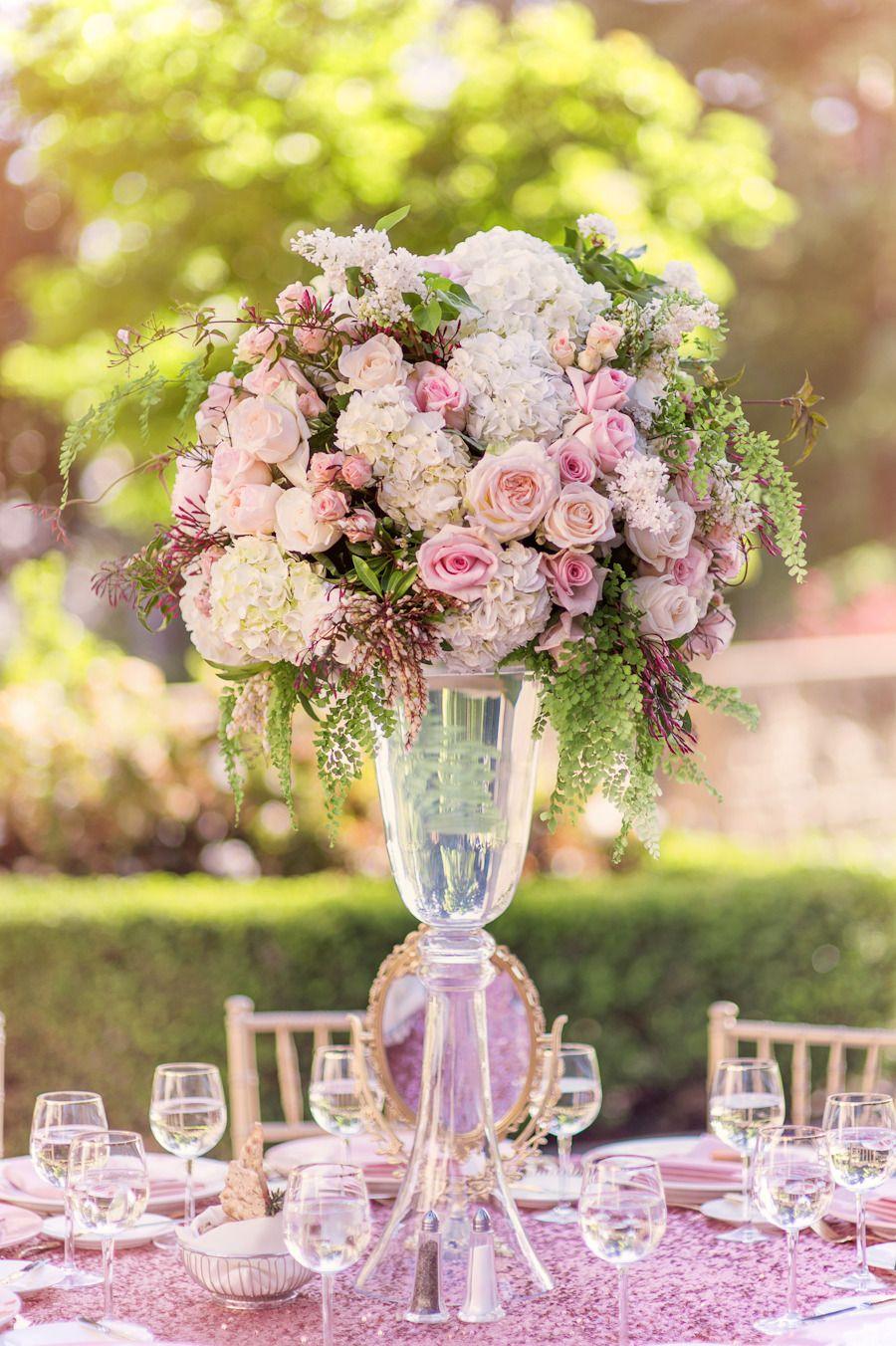Pink and maroon wedding decor  pink inspiration Ένας γάμος για τους λάτρεις του ροζ  gamos