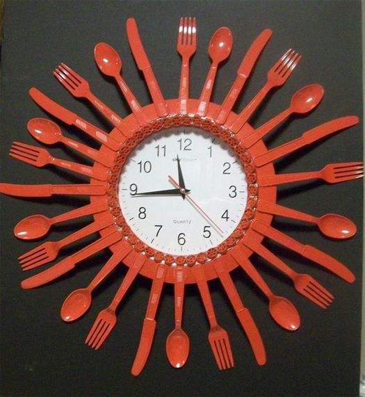 Upcycled Plastic Utensils Clock Cuill 232 Res En Plastique