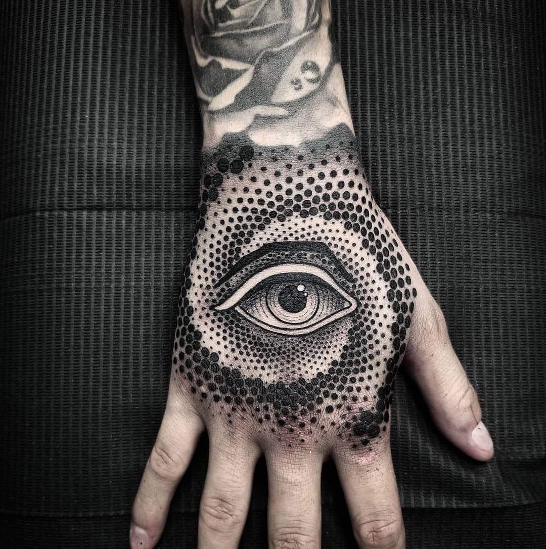 12 Hombre mano tatuajes