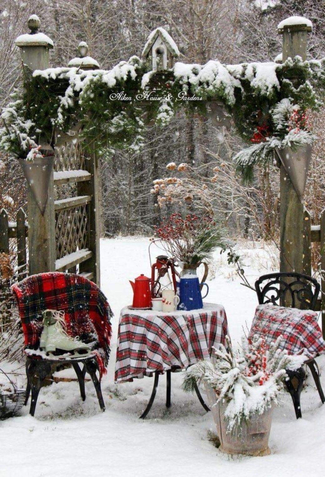 Deco De Noel Dans Le Jardin Épinglé par marie frigerio sur les pieds dans la neige