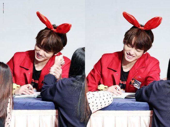 160513 JUNGKOOK @ Sinchon Fansign | © MYSTIC RED #BTS #방탄소년단 #정국