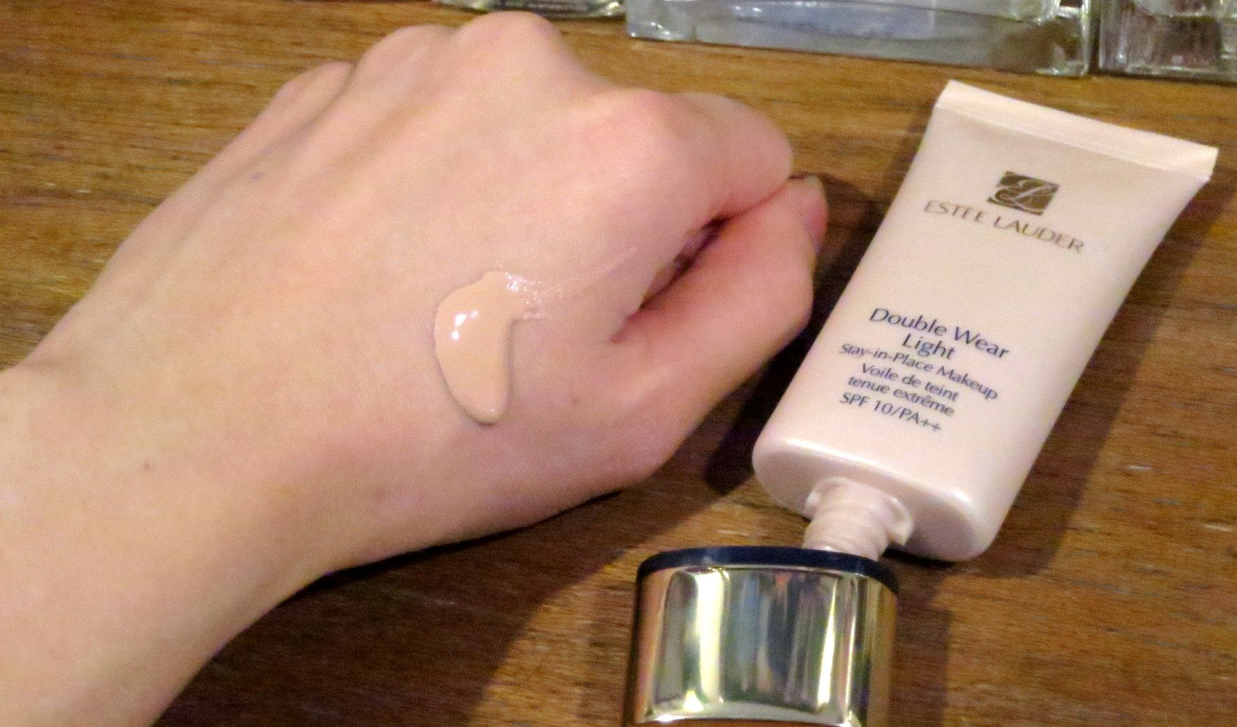 Review Estee Lauder Double Wear Light Makeup Spf10 Pa