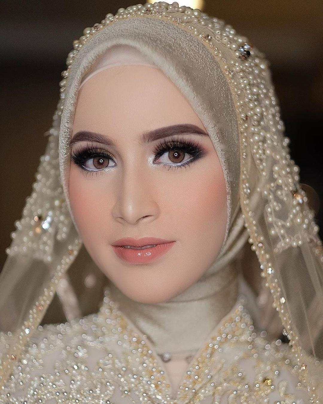 Wedding Makeup Di 2020 Kerudung Pengantin Rias Wajah Pengantin Pengantin