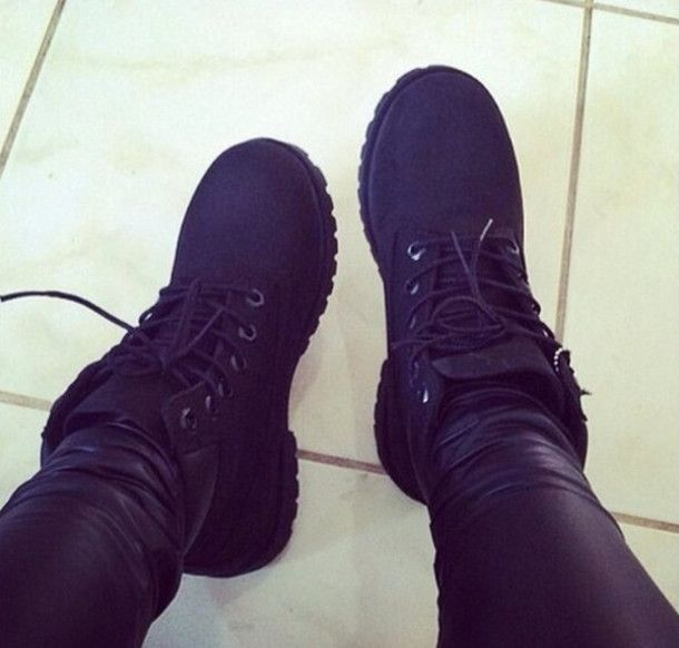 ALL BLACK EVERYTHING SHOE LACE