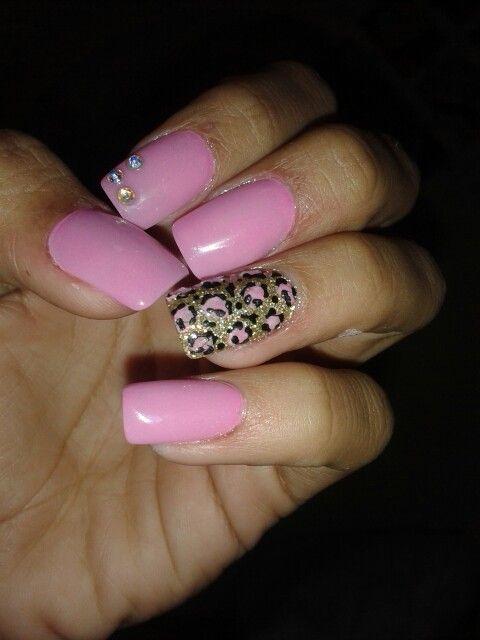 mis uñas de acrilico rosas con leopardo las ame