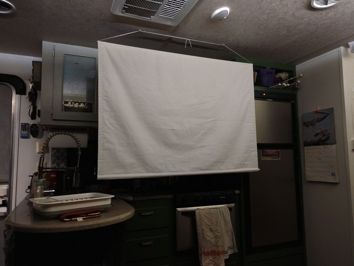Diy projector screen in 2020 diy projector projector
