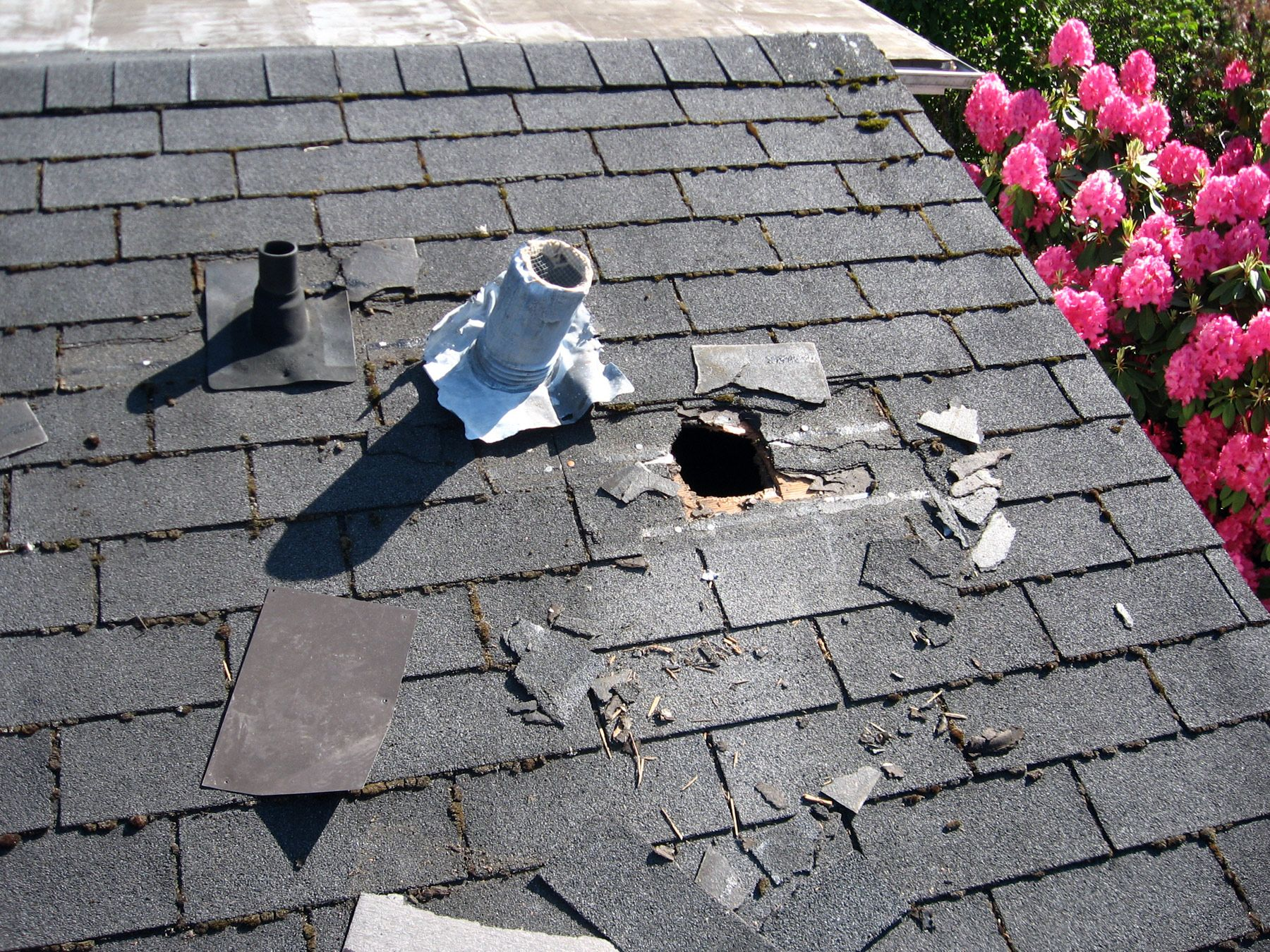 Have You Suffered Storm Damage Give Us A Call And Our Professionals Will Handle It 1 425 448 7083 Emergency Roof Repair Roof Repair Roof Leak Repair