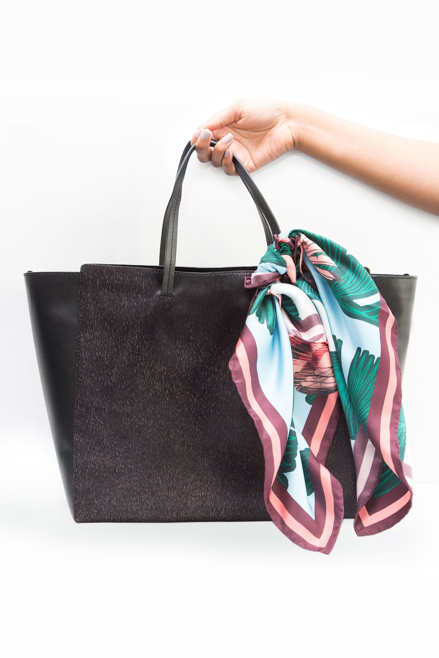 68725d2b5f19 4 Fast Ways to Turn Your Boring Black Bag into Something Way More ...