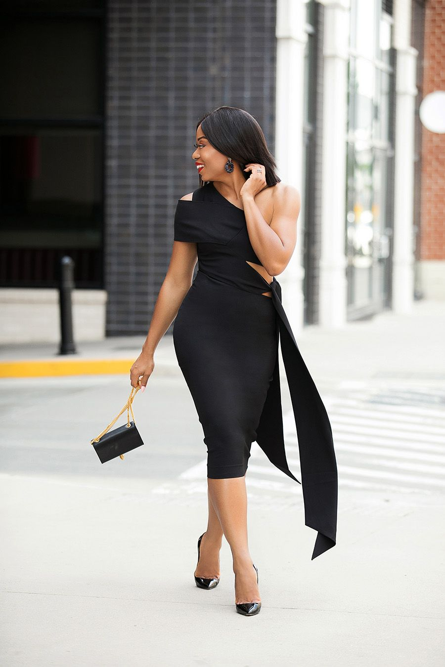 How To Wear Black To Summer Wedding Summer Wedding Outfits Fashion Fashion For Petite Women