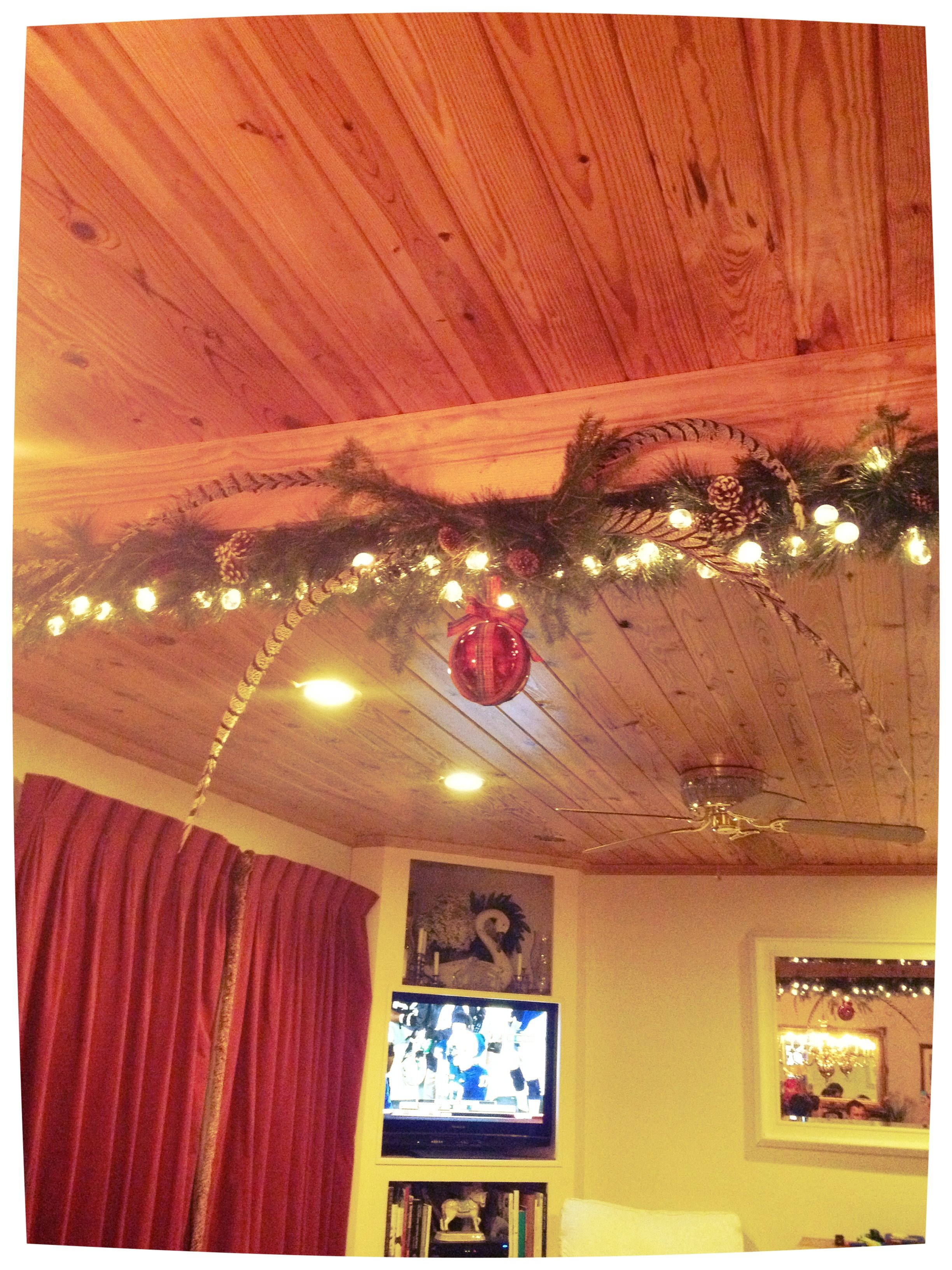 Love the Christmas decorations on this exposed beam!  Christmas