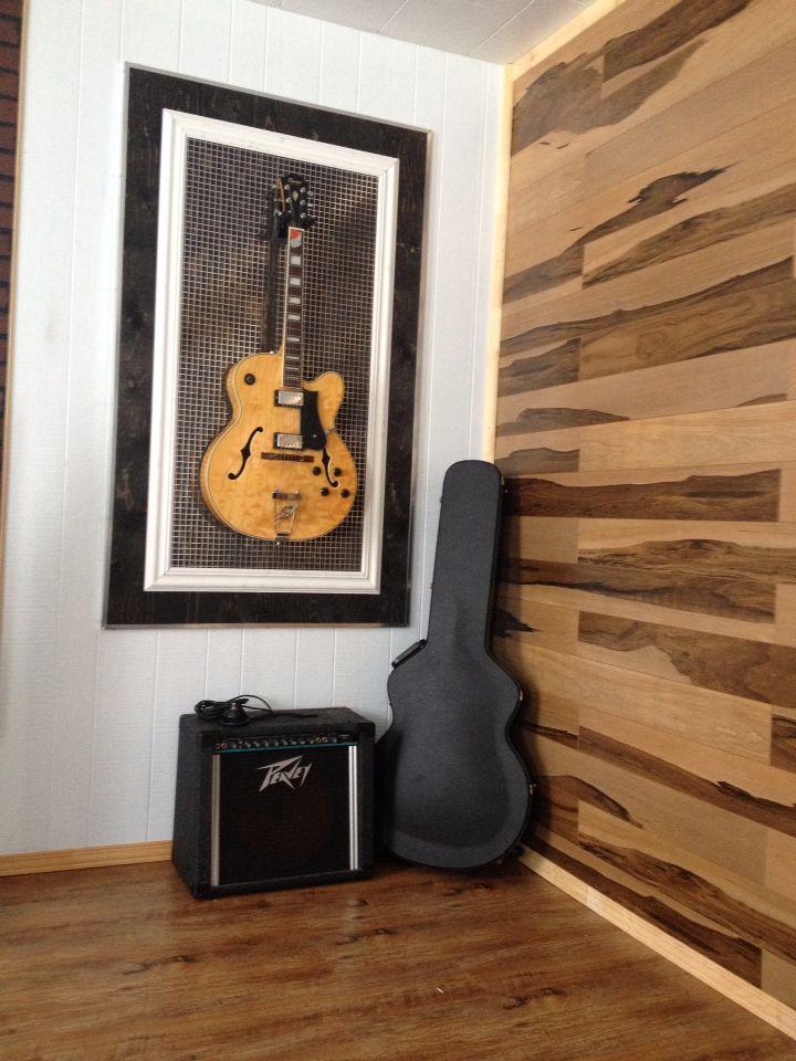 Cadre Pour Guitare Diy Mur En Plancher Flottant Rangement Guitare Guitar Deco Salle De Musique