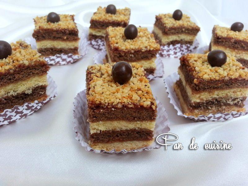 Gâteau superposé à la confiture