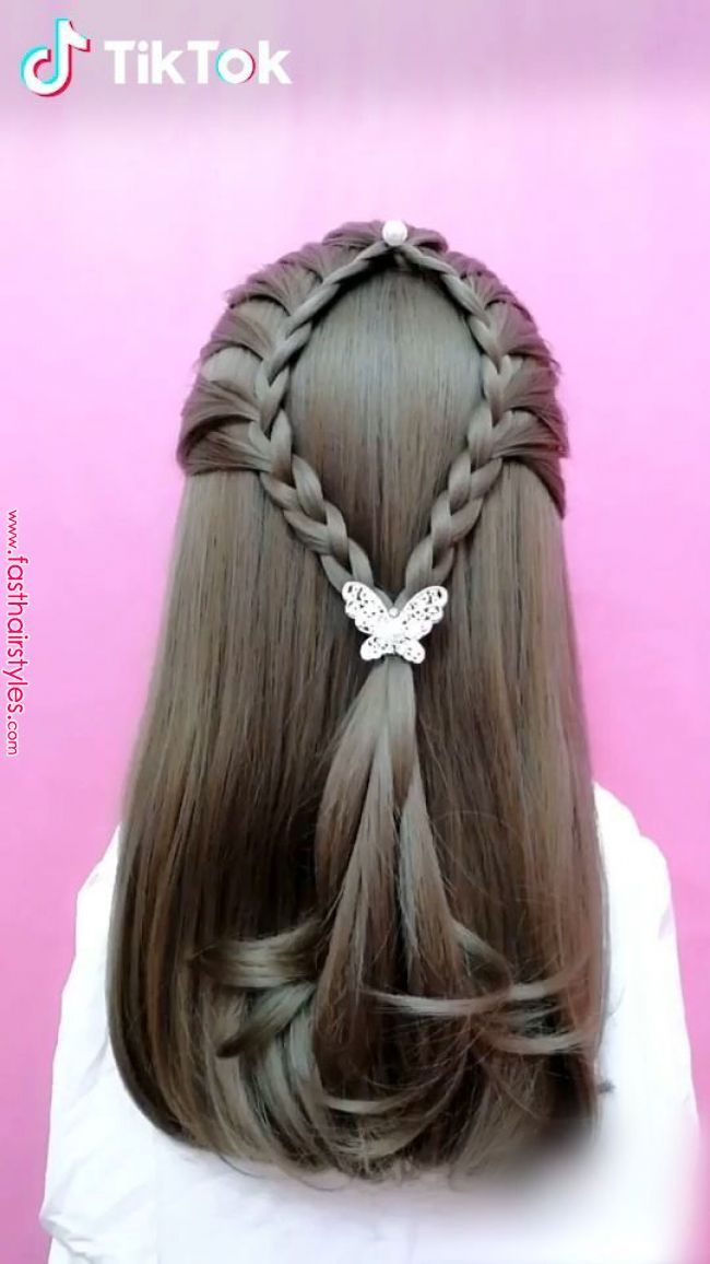 Tiktok Funny Short Videos Platform Super Easy To Try A New Hairstyle Download Tiktok Today To Find More Am Long Hair Styles Hair Videos Hair Tutorial