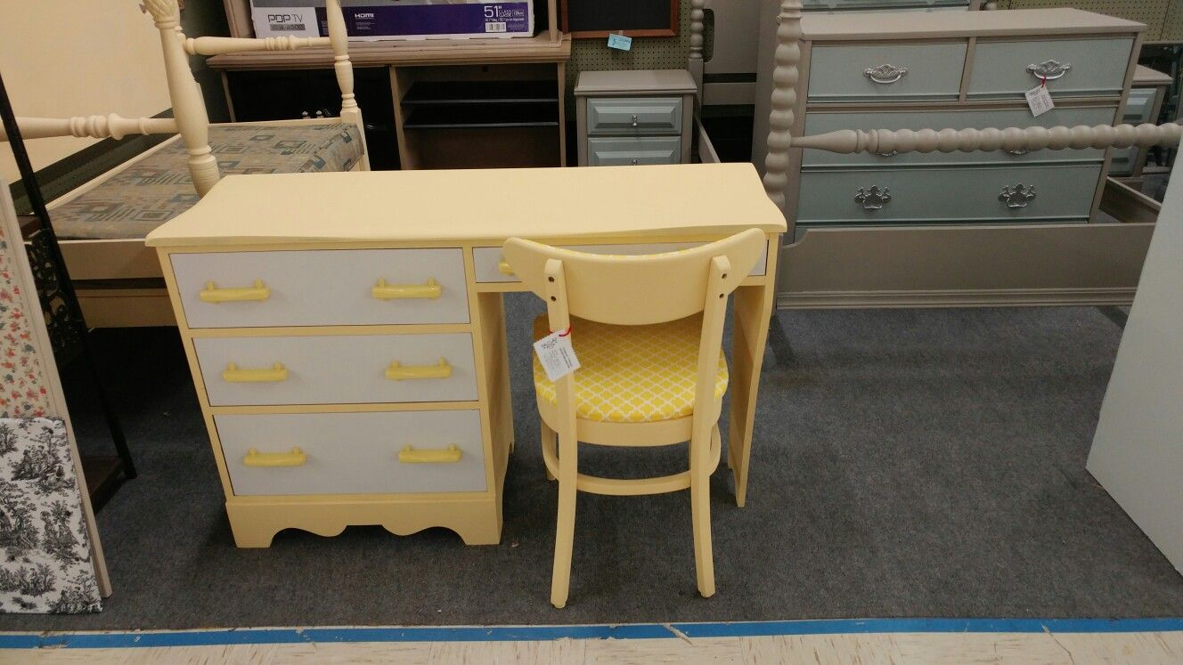 Yellow And White Desk With Chair Location: Benu0027s Furniture And Antiques  9552 Hwy 5 Douglasville