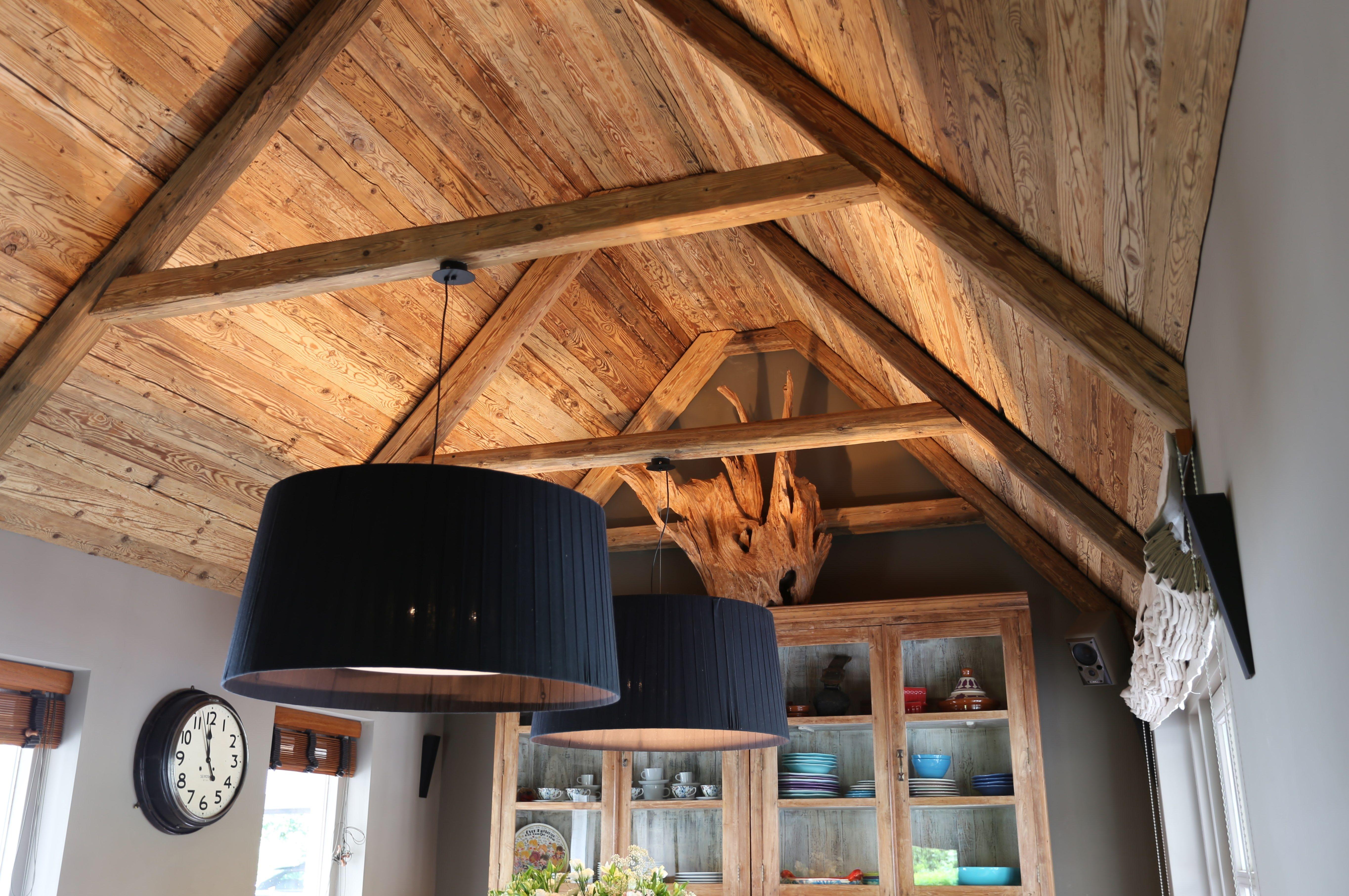 Www.nice Id.nl. Plafondbetimmering Van Oude Handgehakte Vuren Delen.  Leverancier Altholz Nederland.