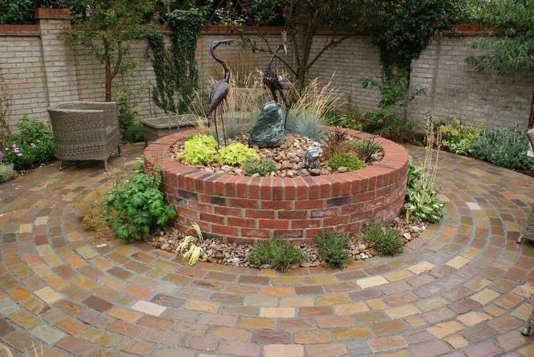 kreisförmiges hochbeet aus ziegelsteinen - schöne gartengestaltung, Garten ideen
