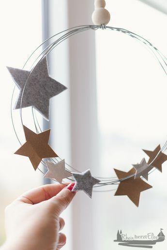 Wir feiern Weihnachten | DIY Idee Metallkranz mit Sternen - RheinHerztElbe.de
