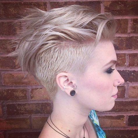 Kurzhaarfrisuren blond mit undercut