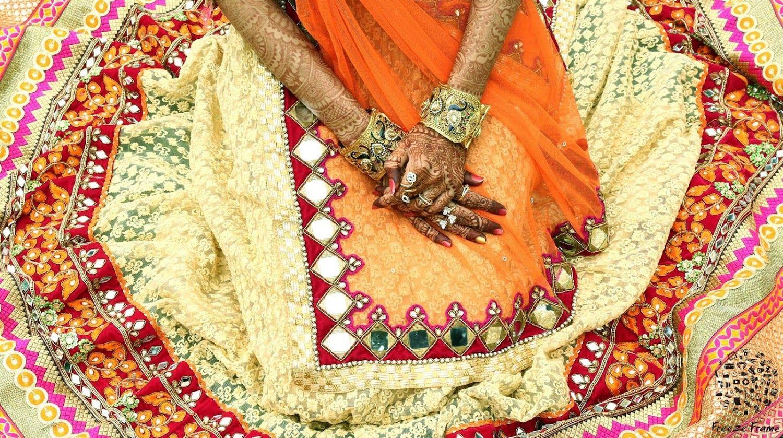 💃Photo by Ffstudio, Surat #weddingnet #wedding #india #indian #indianwedding #weddingdresses #mehendi #ceremony #realwedding #lehenga #lehengacholi #choli #lehengawedding #lehengasaree #saree #bridalsaree #weddingsaree #photoshoot #photoset #photographer #photography #inspiration #planner #organisation #details #sweet #cute #gorgeous #fabulous #henna #mehndi