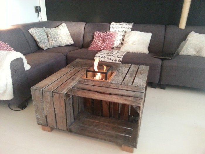 Een salontafel van een viertal oude fruitkisten omdat het hout natuurlijk aan de oude kant is - Wat op een salontafel ...