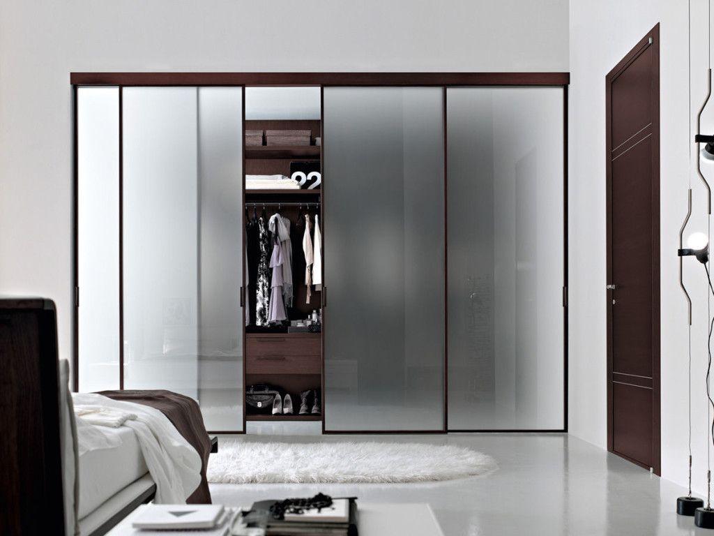 placard installer une porte de placard coulissante. Black Bedroom Furniture Sets. Home Design Ideas