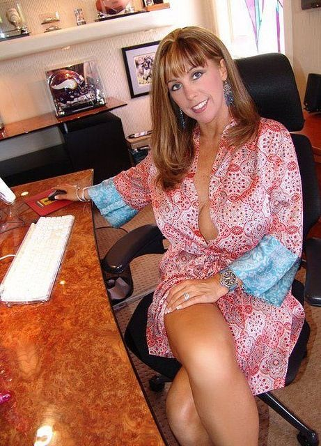 chicken milfs dating site The 100% free dating site for mature singles to meet and chat for free - no fees - unlimited messages - forever.
