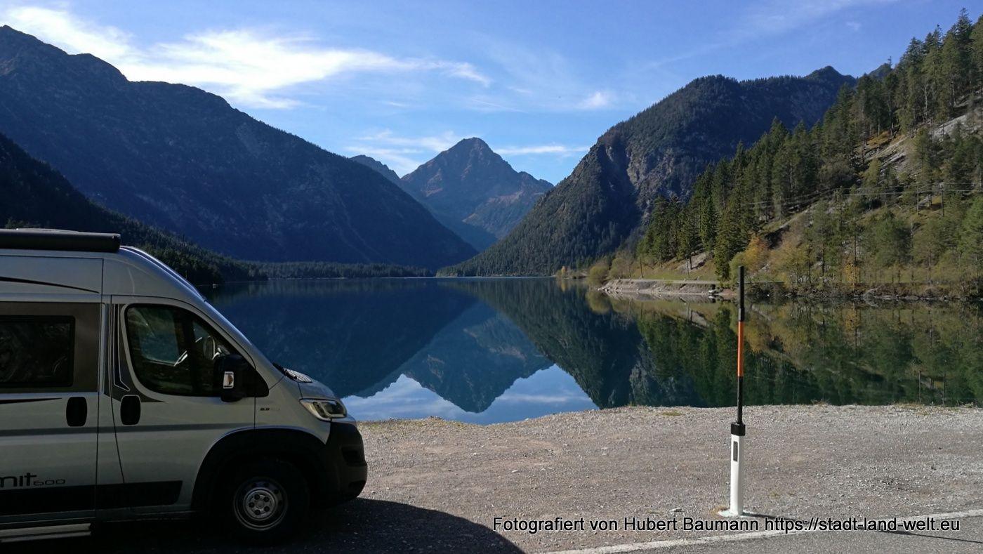 Wo Dir Idyllische Seen Und Konigsschlosser Zu Fussen Liegen Etappe Oberammergau Uber Eine Nebenstrasse In Deutschl Konigsschlosser Schloss Linderhof Schloss