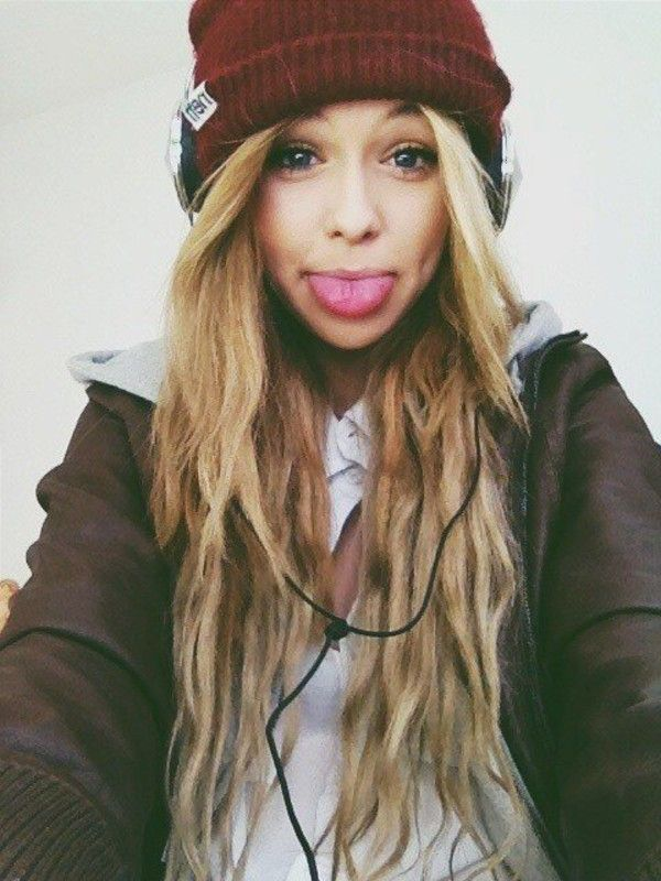 0b59c5e7633 Girls In Neff Beanies Tumblr Images   Pictures - Becuo