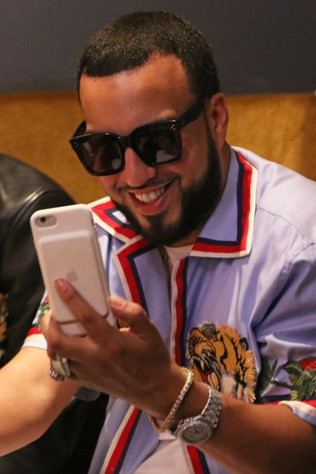 e34323a8970 French Montana wearing Apple iPhone 7 Charging Case