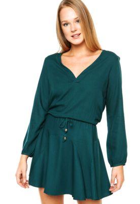 4c659a931386 Vestido Malwee Curto Verde, possui mangas longas, decote V e é acinturado  com a aplicação de elástico e cordão para amarração.Confeccionado em 100%  Viscose.