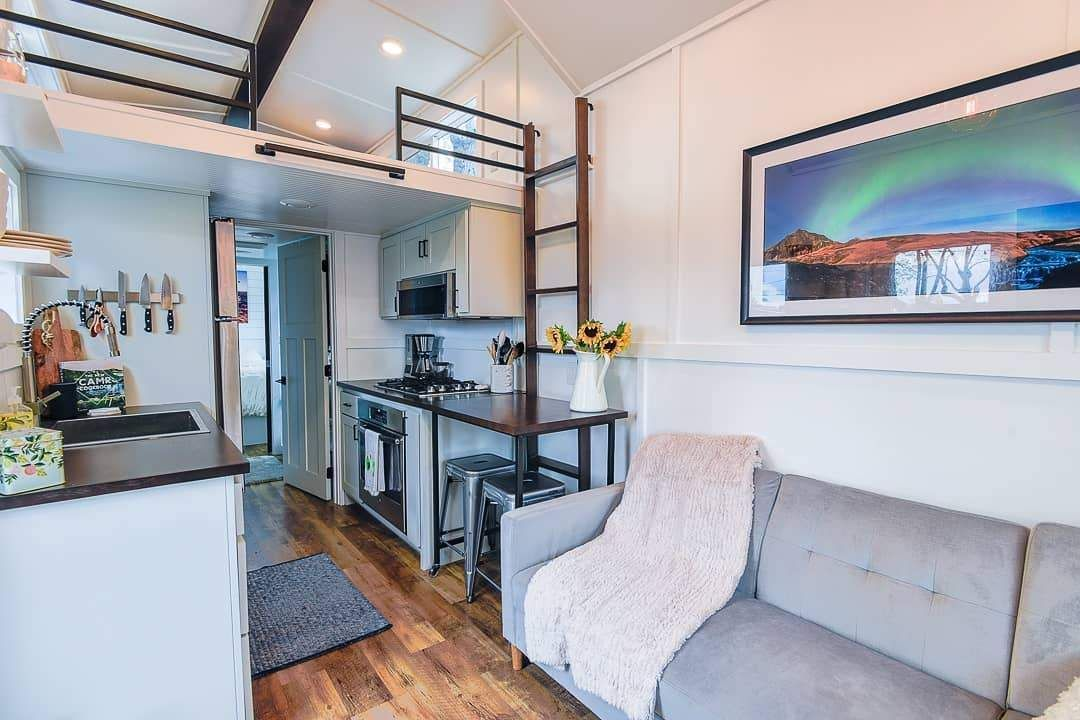 Tips To Prevent Accumulating Stuff In Your Tiny House